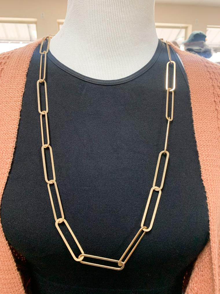 CHAIN HANG LOW NECKLACE